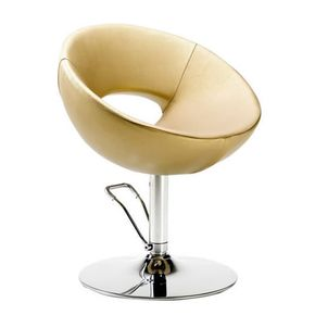 Swivel chair with a rounded look