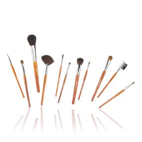 Set 10 pennelli make up in un pratico ed elegante portapennelli.