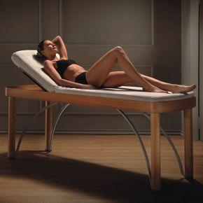 Lettino per trattamenti estetici dotato di materassino riscaldato con controllo della temperatura e timer