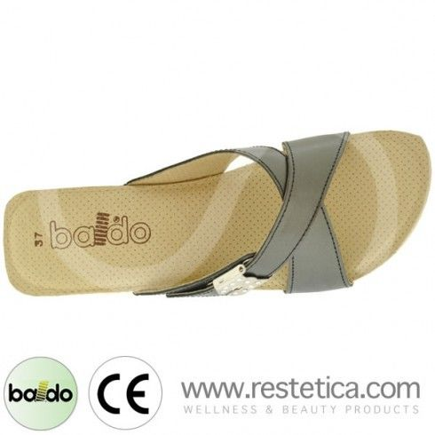 Baldo Clogs with Cross Over