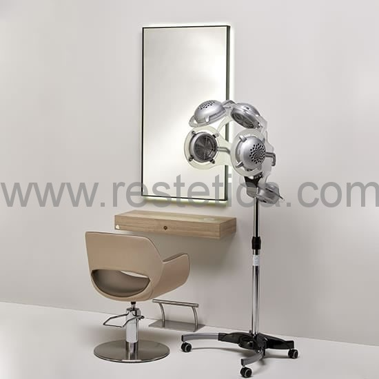 Hairdressing station complete with mirror, elegant console with wireless charging for mobile phones and hydraulic chair with footrest base