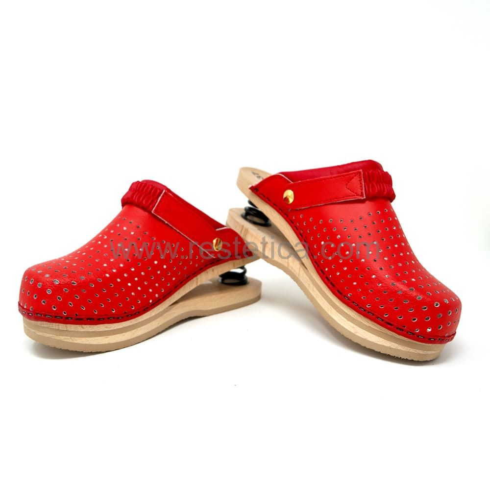 Clogs with springs - Red