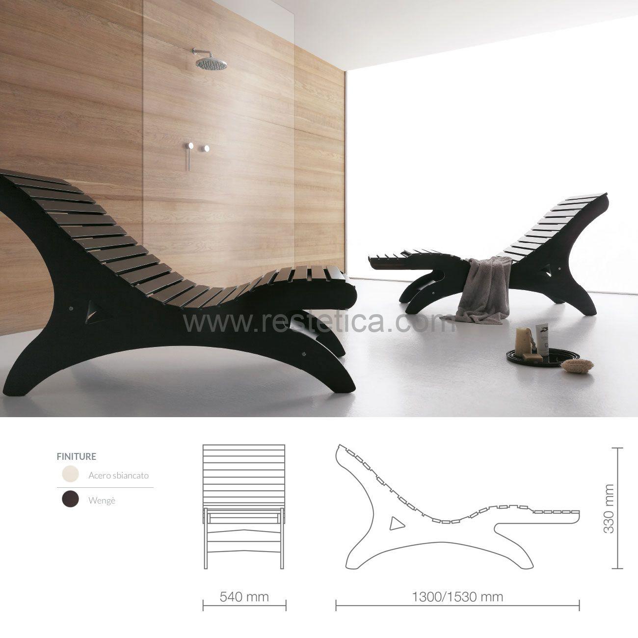 Chaise longue Samurai completa di materassino in skai bianco e poggiapiedi estraibile per massimo relax