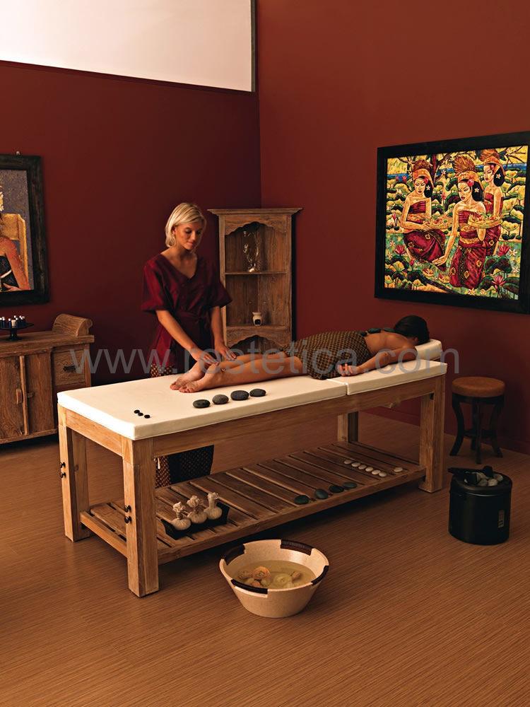 Lettino Nilo TUGU collezione Balinese Collection in legno teak naturale