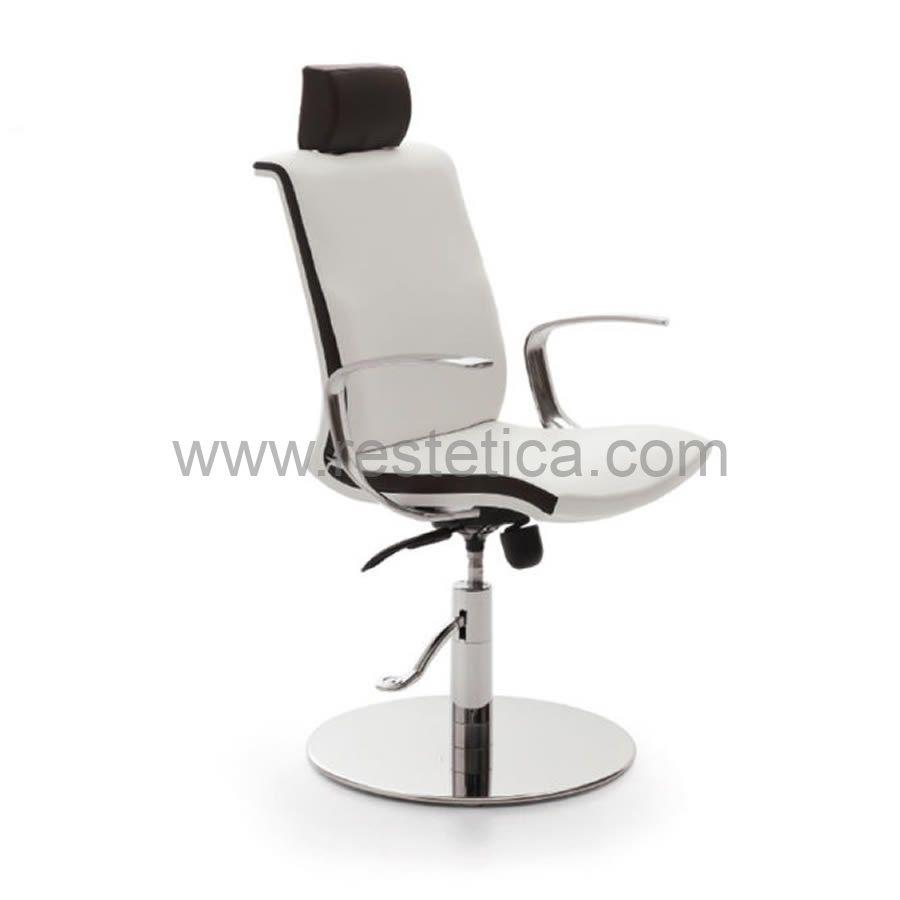 Poltrona Make Up by Vismara con schienale reclinabile con poggiatesta regolabile