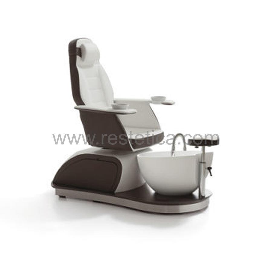 Poltrona sedia podologica Saint Barth dotata di seduta girevole vaschette per manicure e vasca per pediluvio