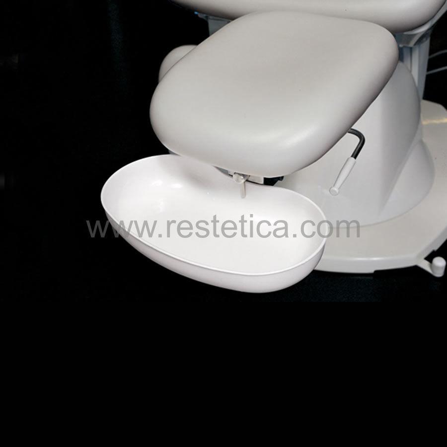 Poltrona polifunzionale con schienale ed altezza regolabili elettricamente e posizione di trendelenburg sincronizzata