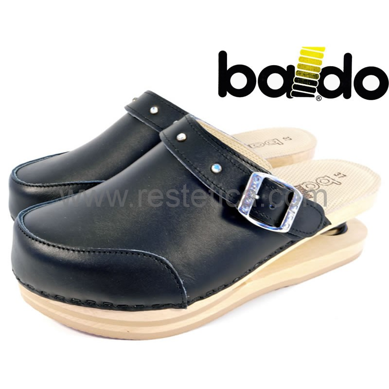 Zoccoli Baldo chiusi neri con elegante cinturino con brillantini, dotati di molla e plantare imbottito per un maggiore confort ai piedi