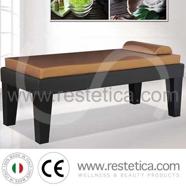 Letto da massaggio con ampie gambe e struttura in legno - Letto da massaggio ...